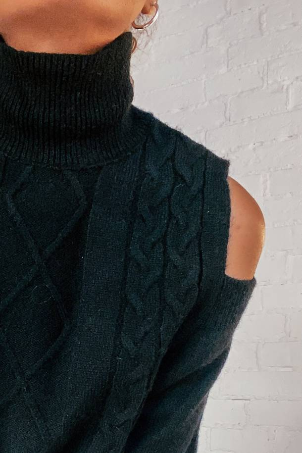 Aspen Black Sweater