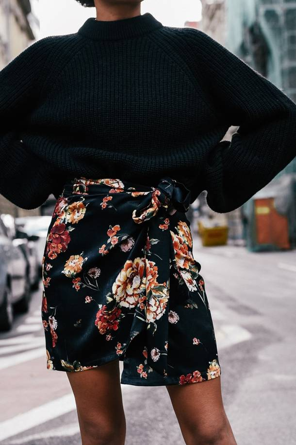 Cara Black Flowers Skirt